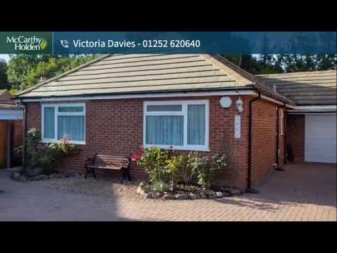 2 Bedroom Bungalow For Sale in Fleet