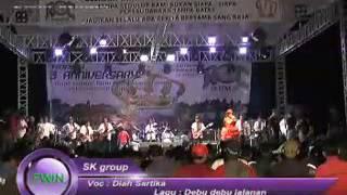 Download lagu DIAH SARTIKA DEBU DEBU JALANAN SK group MP3