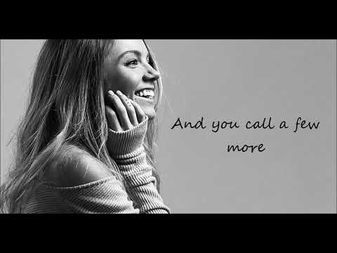 Danielle Bradbery - Sway - lyrics