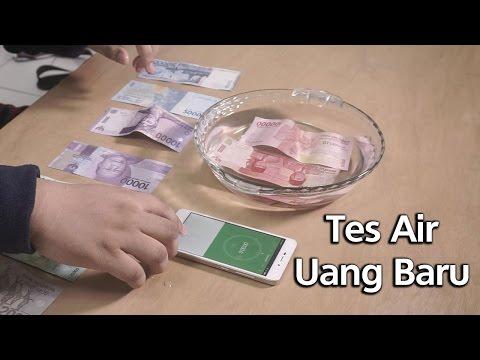 Uang Baru 2017 vs Uang Lama - Tes Air (Waterproof Test?)