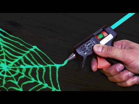 Glow In The Dark Hot Glue - Halloween Idea