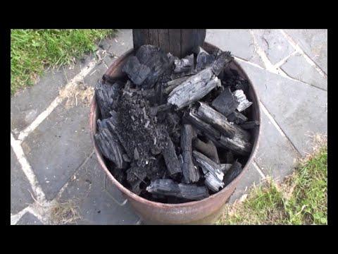 Faire du charbon de bois cologiquement et en grande for Fabrication charbon de bois