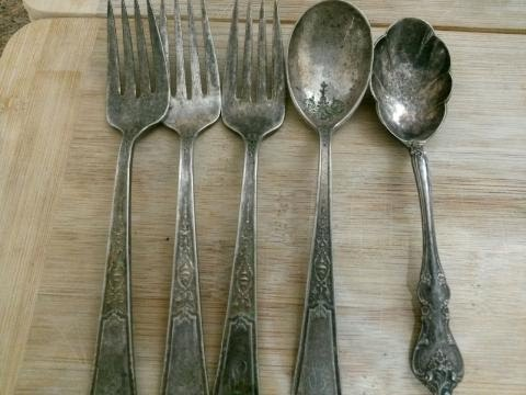 how to clean old stainless steel silverware