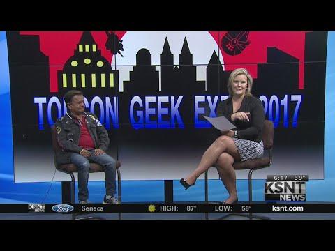Deep Roy at 2017 TopCon Geek Expo