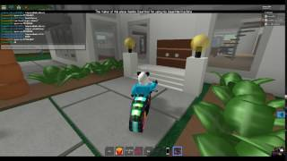 Playing My Friends Game On Roblox!