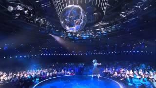 Lindsey Stirling Crystallize Violin Dubstep Live With Helene Fischer Acrobatics Show Germany
