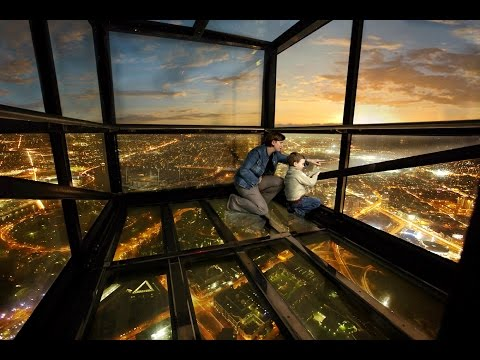 """Eureka Tower Skydeck 88 - Melbourne Views with """"The Edge""""  Experience"""