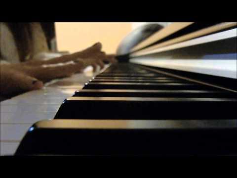 Paula Balmaña piano