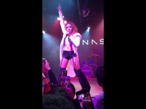 Tinashe - How Many Times (Aquarius Tour)