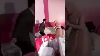 عروسان يرقصان علي اغنيه يا منعنع في فرحهم 😍