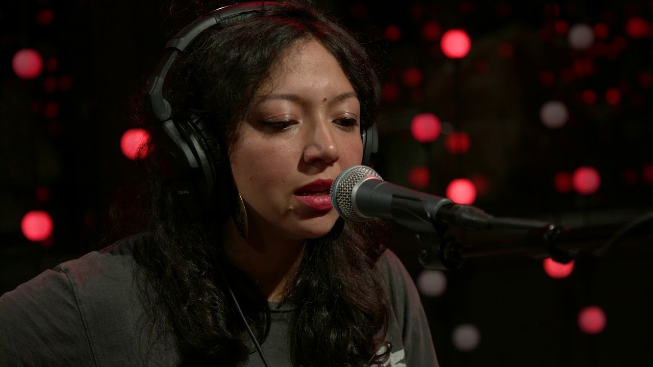 Shana Cleveland - Invisible When the Sun Leaves (Live on KEXP)