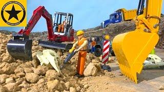 BRUDER Excavators DINOSAUR SKELETON Bruder Trucks VOLVO D480 RC EARTH DIGGER
