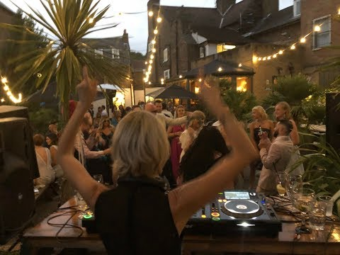 SpinSisters - This cool couple wanted House music & Drum N Bass at their wedding reception!