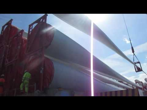 Wind turbine blades loading on board a ship - Spain Project cargo - marine surveyor - port captain