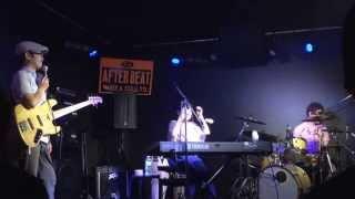 プログレジャズトリオ 鳥 http://toriotori.jimdo.com/ Vocal &piano 白...