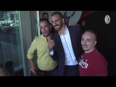 Leonardo Bonucci: the emotion of Mondo Milan Museum, the love of the fans