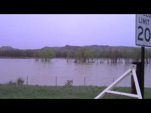 Medora Flood 5-26-11 Little Missouri.MP4