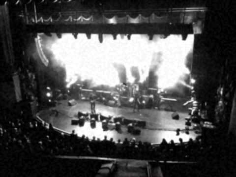 The Cure - World War - Beacon Theater - NYC - 11-25-11.MOV