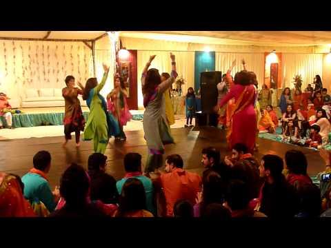 Mohib's Mehndi Dance- Bibi Sheerini (Dec 30th 2009)