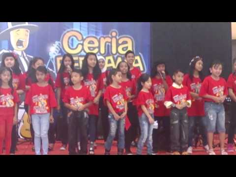Indy with Purwacaraka Batam performance in Kepri Mall