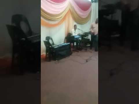 Ungphethe kahle Moy'Ongcwele Medley