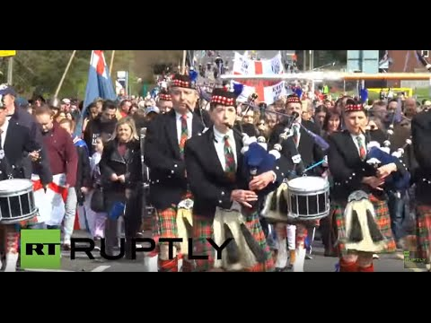 UK: Thousands celebrate St George's Day in West Bromwich