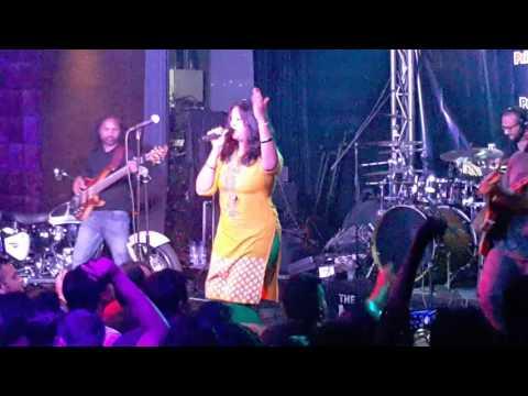 Avial feat Neha Nair Live in Dubai 2016 - Track #Karukara