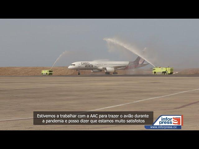 Boeing  757 da Cabo verde Airlines chega à Cidade da Praia
