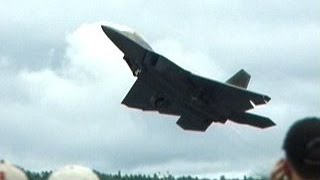 F-22 Crazy Takeoff   vertical climb - stop in the air