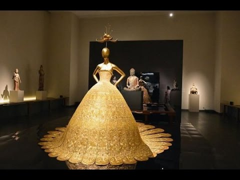 Complete Dress Made Of Gold Youtube