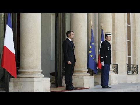 فرنسا: إيمانويل ماكرون يريد حكومة -من اليمين واليسار- وفوق الشبهات  - 13:22-2017 / 5 / 17
