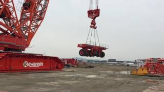 大型クローラークレーン CC6800 DEMAG社製 吊り上げ風景
