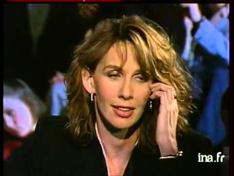 up and down : Trudie Styler  Archive INA