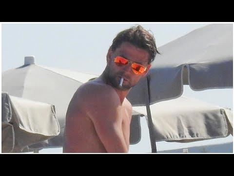 Der Ehemalige Dortmunder Star Roman Weidenfeller Raucht Im Urlaub