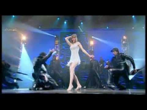 tata-young-dhoom-dhoom-live-mymoment