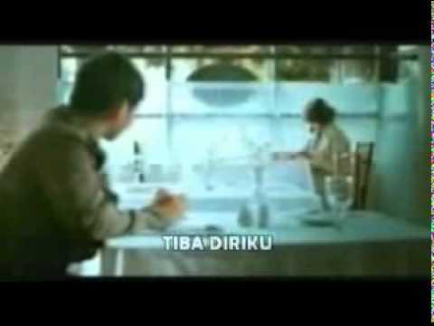 Pasha Ungu Feat Adelia - Penghujung Cintaku (VC + Lyrics).avi
