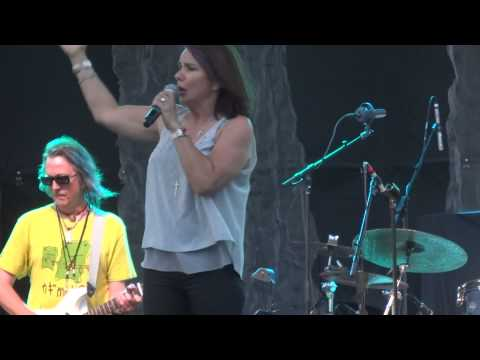 """Sometimes Love Just Ain't Enough"" Patty Smyth & Scandal@PPL Park Chester, PA 7/11/14"