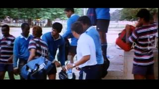 Unnale Unnale Tamil Movie - Vinay and Sadha Fight Scene