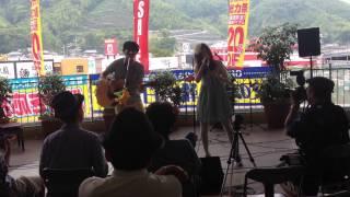 静岡県を中心に東京・神奈川・静岡・名古屋のライブで活躍する兄妹アコ...