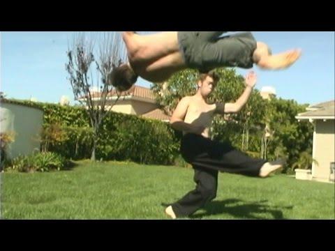 """Capoeira vs Tae Kwon Do """"The Master"""""""