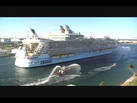 Oasis of the Seas arrives into Port Everglades on 11/13/2009