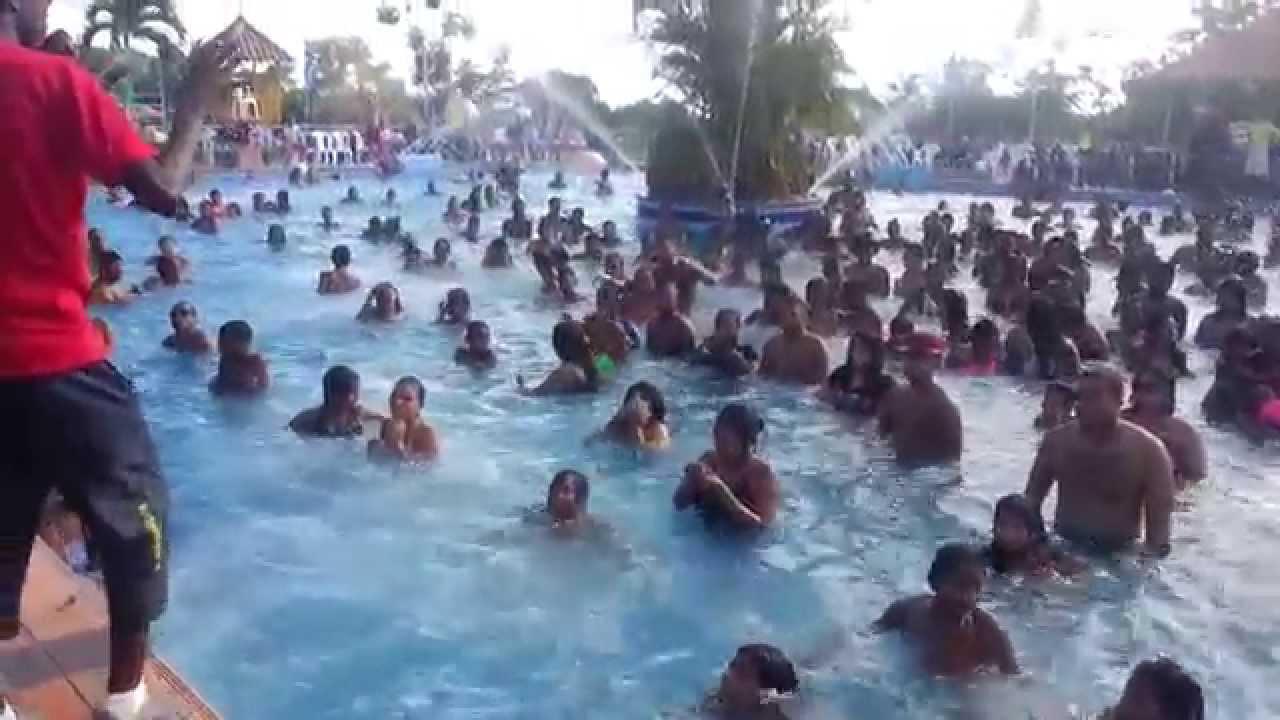 Carnavales panama aguarobicos y animacion en piscina for Lugares con piscina para pasar el dia