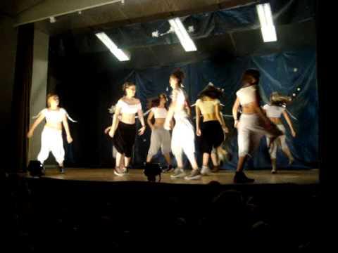 Dum Diddly  Black Eyed Peas Danse dAnnabelle