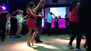 Salsa class. Intermediate level. How to dance salsa. Marina Moon.
