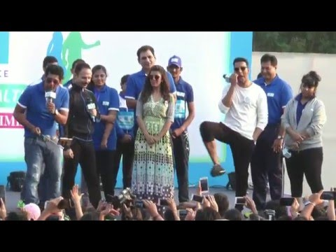 4th Edition Of Max Bupa Walk For Health In Mumbai | Akshay Kumar | Nimrat Kaur