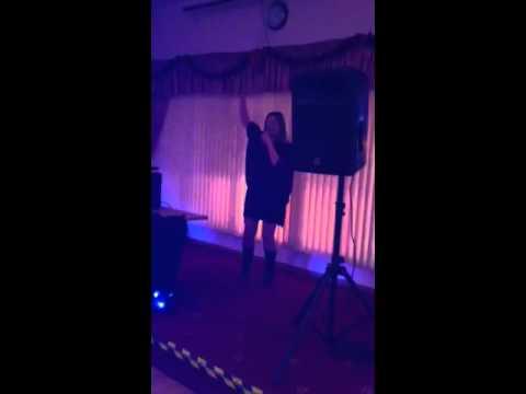 Lori karaoke