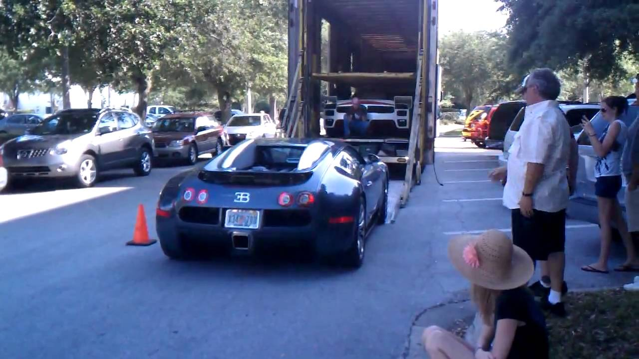 bugatti veyron on the streets of florida youtube. Black Bedroom Furniture Sets. Home Design Ideas