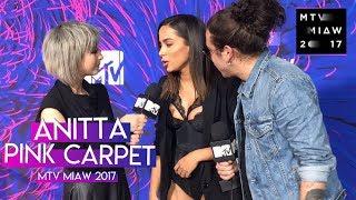 Baixar Anitta en la Pink Carpet de los Premios MTV Miaw 2017 [Legendado PT-BR]