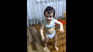 Смешное видео дети /танец живота(, 2015-12-10T12:44:25.000Z)