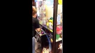 How to beat a claw machine